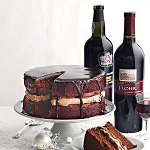 13qwp22-wine-chocolate-cake-m
